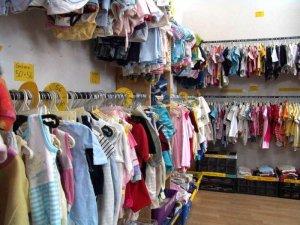 Вот почему вы должны покупать и своим детям ношеную одежду